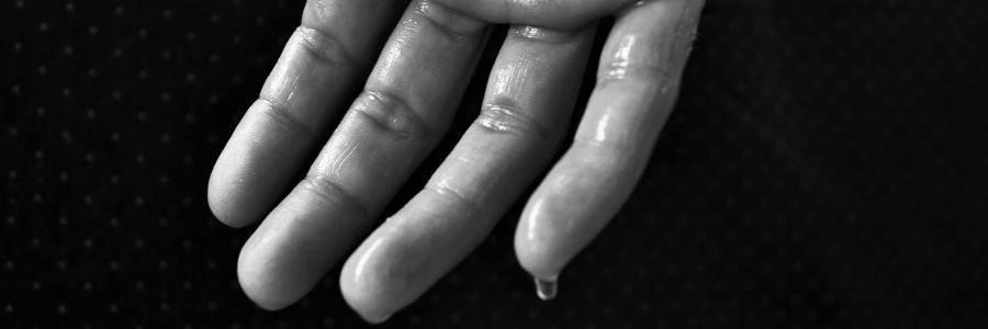 Starkes Schwitzen ohne Anstrengung. Gründe und Ursachen